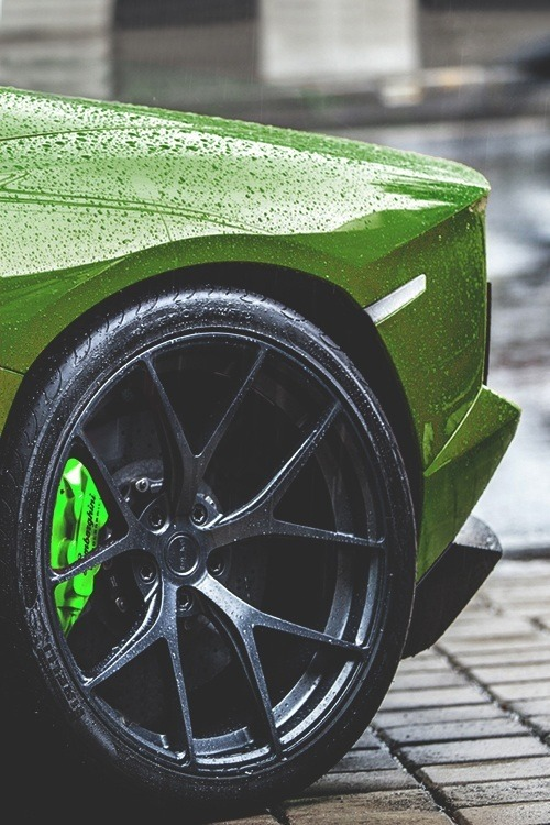 autobliss:  johnny-escobar: One of the sickest Aventador setups I've… http://machines-or-art.tumblr.com/post/48674354993
