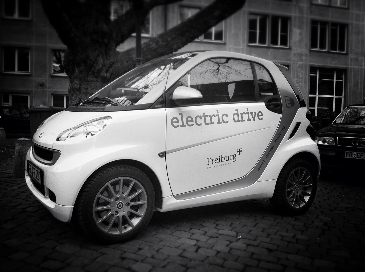 Pretty Smart, Freiburg.  Taken with Click! App, processed with Snapseed.