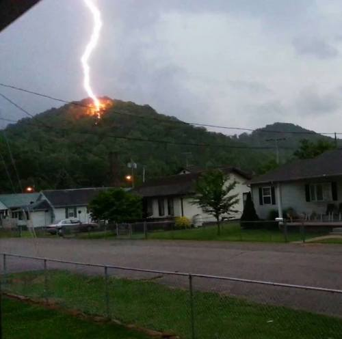 stunningpicture:  Lightning strikes a hill in Chapmanville, West Virginia