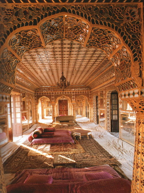 endilletante:  Indian Interiors, photographies de Deidi von Schaewen, ed. Tashen, 2008.