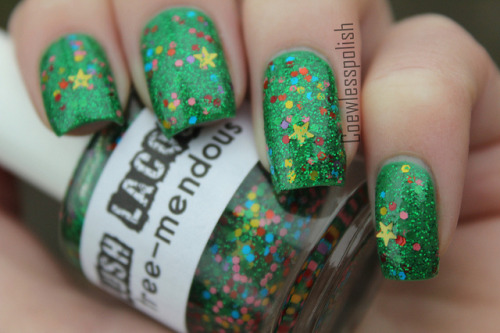 Lush Lacquer Tree-Mendous on Flickr.A christmas tree in a bottle! Love!www.coewlesspolish.wordpress.com