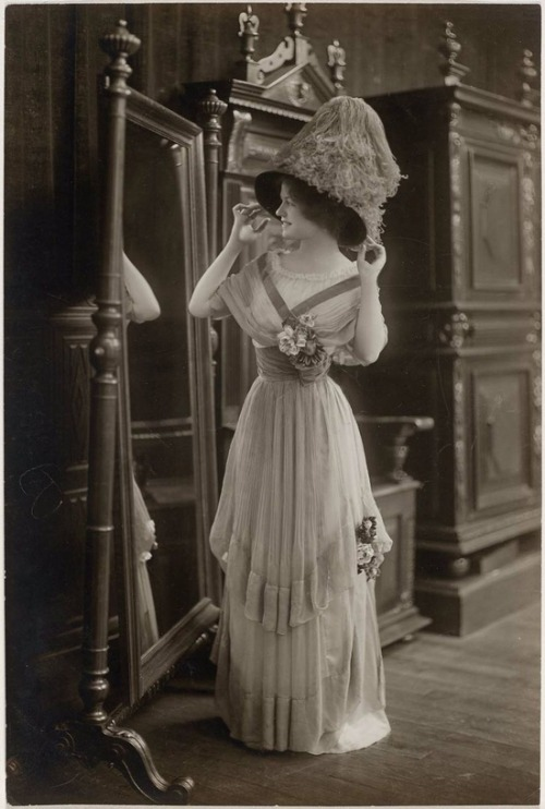 a-harlots-progress:  Ca. 1910