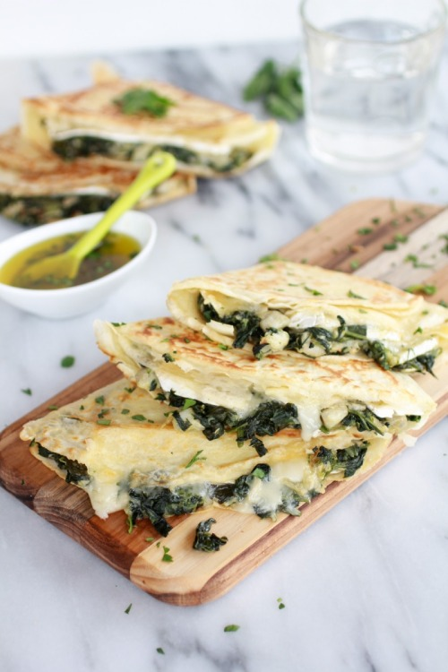 neekaisweird:  Spinach Artichoke and Brie Crepes with Sweet Honey Sauce