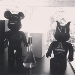 hiddenhistory:  #neighborhood x #medicomtoy #bearbrick #slamjam #milano (at Slam Jam)