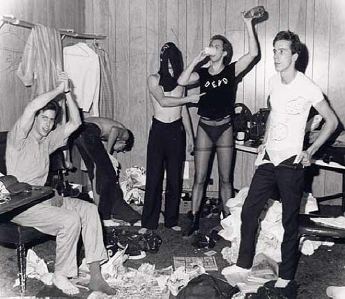 Devo backstage 1977