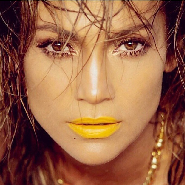 It's official. I need yellow lipstick. (Posted by @mspersia ) #jenniferlopez #yellowlips #springfun #style #fashion #icon #iloveher #mishmash