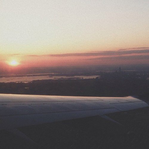 Not a worry in the world watching the sun set over manhattan.  #vsco #vscocam #vscophile #nyc