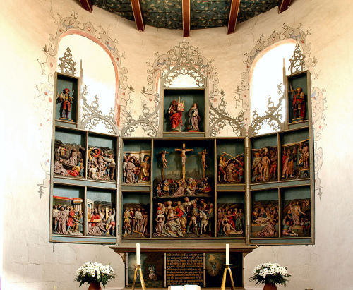 High Altar of Saint Florian's church in Stillende, Friesland, Germany I think this blog is turning into an altar blog. Weird.