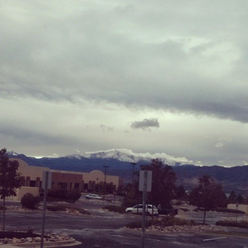 SNOOOOOOW!!! There snow on Pike's Peak! Thought you ought to know. *collapses*