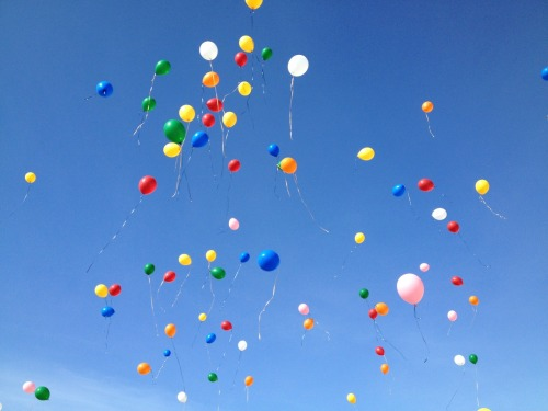 sammys-life:  My school had an anti bulling thing where we released balloons. I'm not really sure what balloons have to do with bullying, but it sure did make an awesome picture