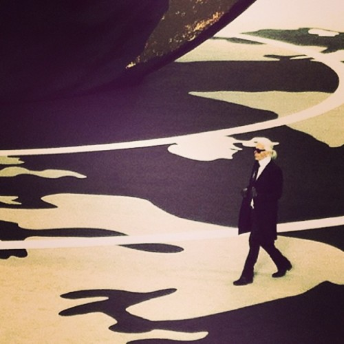 Karl #karllagerfeld #chanel #legend #fashionshow (в Шанель / Chanel)