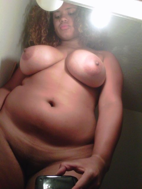 plumpgirlsslayme:  fat-and-bbw:  Do you guys like my new picture? Wanna hook up with me? Click Here  Uhhhhh….. Ummmmm….. Speechless. W-O-W
