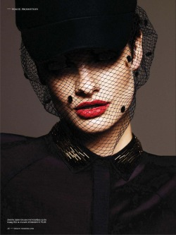 opaqueglitter:  'La Dame En Noir' Pau Bertolini by Alique for Vogue Netherlands December 2012