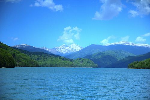 Carpathians on Flickr. A shot of Carpathian Mountains from Vidraru Lake, Romania.