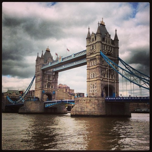 #towerbridge #london #thames #riverthames #london_only #bridge #uk #britain  (at Tower Bridge)