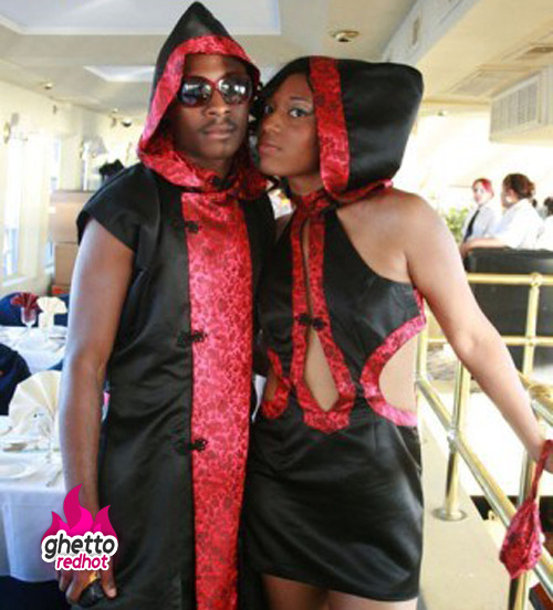 Red Riding in the Hoodhttp://www.ghettoredhot.com/ratchet-prom/