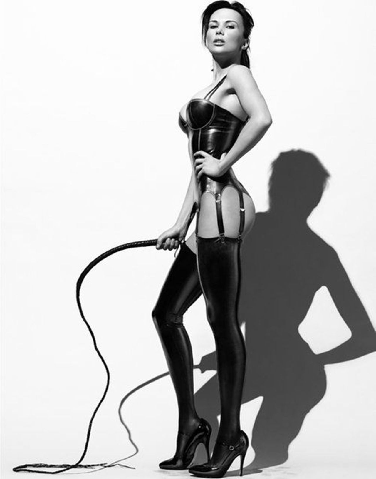 Садо мазо девушка доминирует 1 фотография