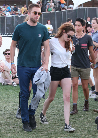 kristenstewartashleygreene:  Kristen Stewart and Robert Pattinson with friends at Day 2 of the 2013 Coachella Music Festival