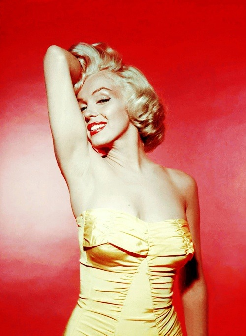 missmonroes:  Marilyn Monroe photographed by Nick de Morgoli, 1953