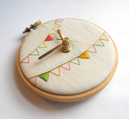 Ice Cream Bunting Embroidered Clock on Flickr. Via Flickr: Blogged - themasonbee.blogspot.co.uk/2013/03/all-scream-for-ice-cre… 2013 © Mason Bee