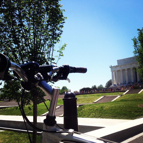 Lunchtime ride along the Reflecting Pool on Flickr.It was difficult to come back to the office in this amazing weather.