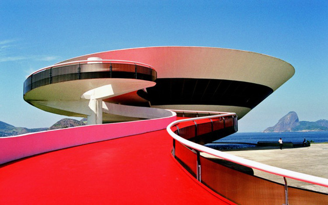 RIP Oscar Niemeyer - Remembering the legendary architect in his own words