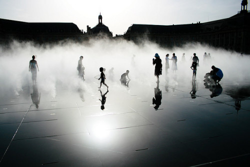 Jeux de miroir @Bordeaux by Bérenger ZYLA on Flickr.