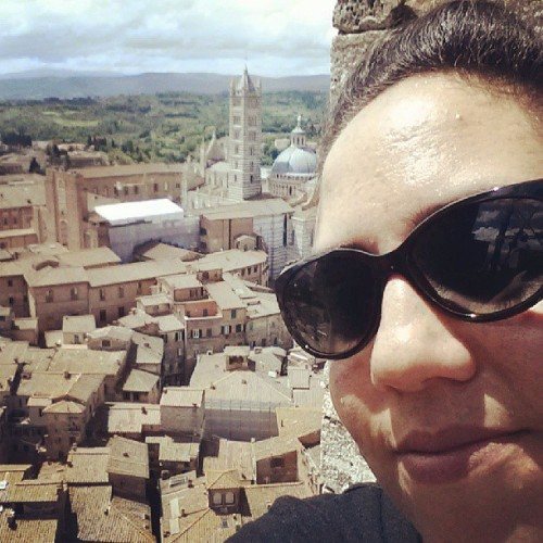 View from the top of the bell at the main piazza in #siena. Sooooooo gorgeous! Thankfully the rain stopped so we could climb the 400 steps to the top for amazing views of #Tuscany!