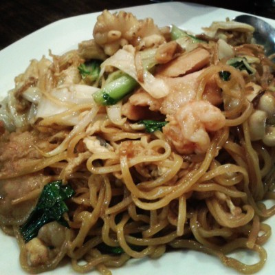 Seafood and Noodles are heaven when they're together
