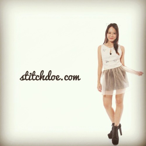A helping hand // Do head on down to www.stitchdoe.com for pretty apparels! Do support this brand new blogshop! #stitchdoe #blogshop #igsg #clothes #blogshopsg
