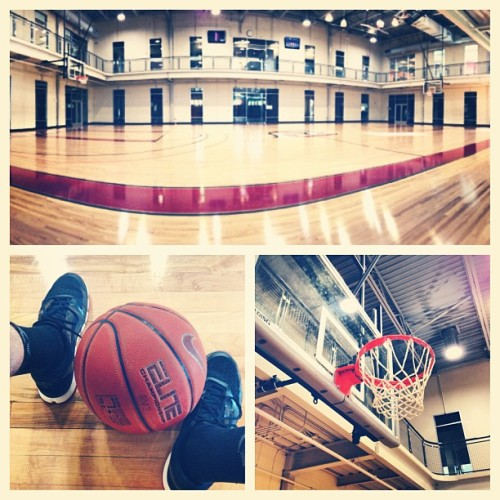 Early morning workout! #gymtomyself (at Red Ventures Gym & Basketball Court)