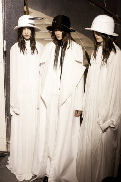 edge-to-edge:  ANN DEMEULEMEESTER AW13 BACKSTAGE (Via Dazeddigital.com)