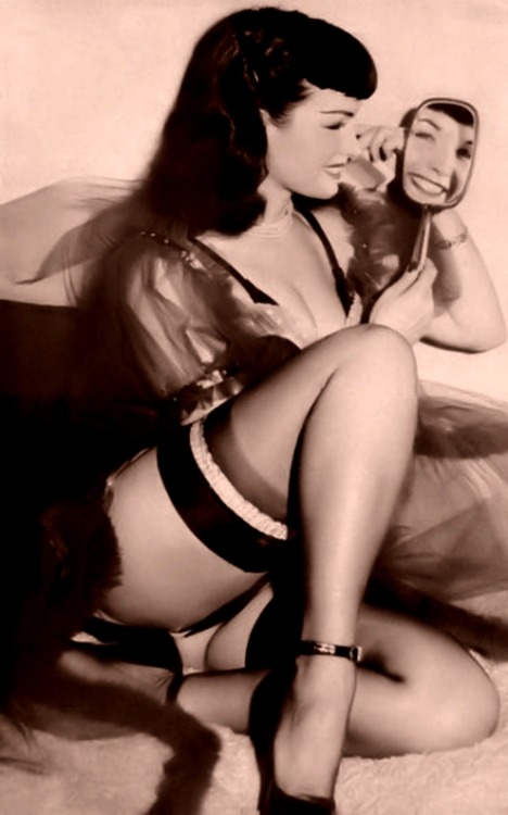 vintagesweetheartt:  1951nick:  Betty Page   Bettie*   God needs to make more women like this!