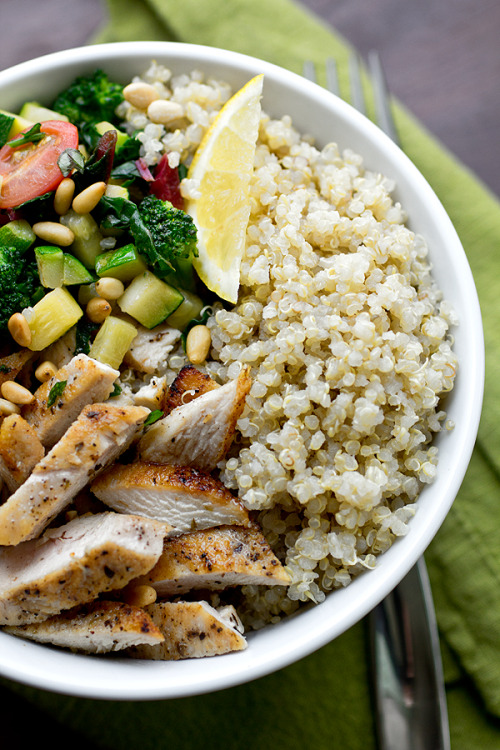 getamoveon:  healthy-craving:  sporkablefood:  Chicken & Toasted Quinoa Bowls with Garlic-Sauteed Veggies and Pine Nuts by The Cozy Apron  omg this looks amazing  I need this in my belly, right now.