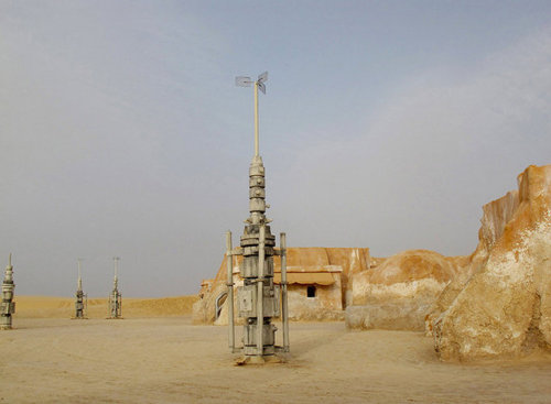 laughingsquid:  Photos of Abandoned 'Star Wars' Film Sets Locations in Tunisia  i desire to go to tunisia all of the sudden