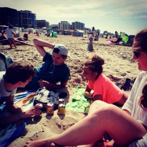 #summer#summertime#holiday#brother#friends#coast#beach#belgium#sun#goodtimes#family#happy#vintage#icetea