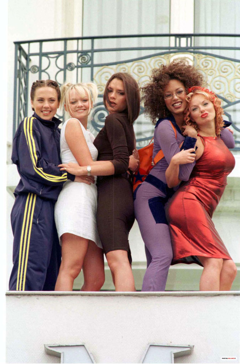 suicideblonde:  The Spice Girls at the 1997 Cannes Film Festival