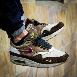 sweetsoles:  Nike Air Max 1 x Atmos 'Viotech' (by Lukas Baetza)