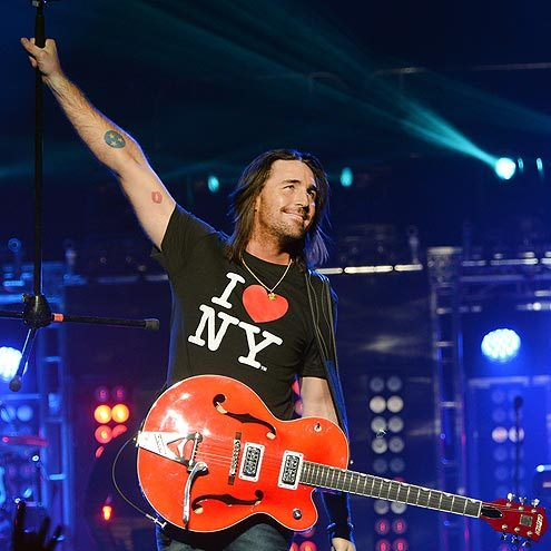 EMPIRE STATE OF MIND: Country singer JAKE OWEN shows his love for NY while performing at Madison Square Garden Saturday night!