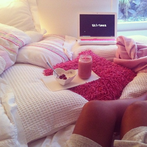 h-ydration:  naturallize:  BEST PINK ROSY/BUBBLEGUM BLOG IN THE WORLD OWNED BY A PRINCESS!   ♡more posts like this here♡