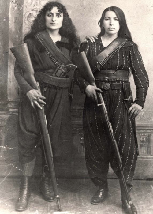 meryletrouble:  zolotoivek:  Portrait of two Armenian fighters during the Hamidian Massacres, 1895.    Dang, the one on the left looks like Herdis.