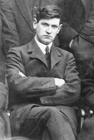 Michael Collins (1890 - 1922), Irish revolutionary, Director of Intelligence for the IRA, Chairman of the Provisional (Irish) Government, Commander-in-Chief of the National (Irish) Army, and so very hot.