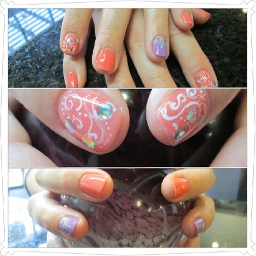 @adugart brought her awesome twin & maid of honor #mani #manicure #nailart #nails #nailpolish #getglam #SanAntonio #Texas #glitter#glitz #nailshoutouts #nails #nailgasm #SanAntonio #Texas #mani #makeurappt #manicure #pedicure #pedi #nailart #glitter #glitz #fashionshow #getglam #gelish #gelpolish (at www.Glamnailz.com)