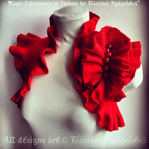 #bolero #shrug #wedding #bride #red #valentine #felt #fiber #jacket #sale #discount #clearance #valentinesday #etsy #handmade #europe #fiberartist