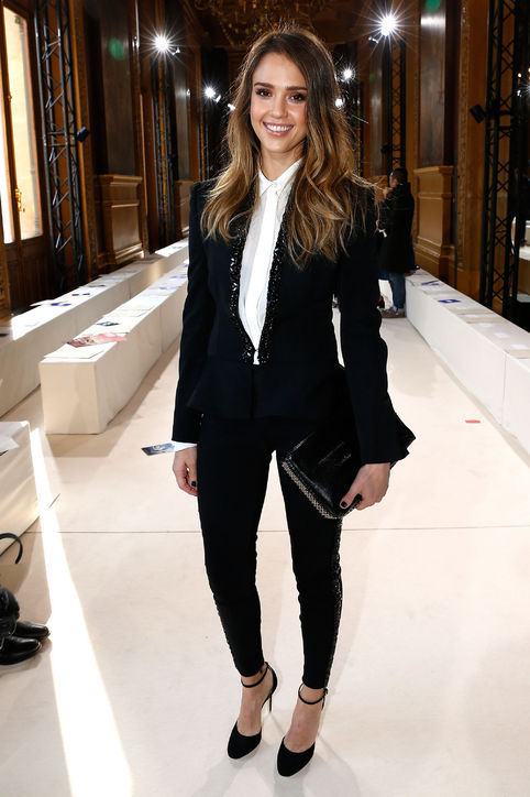 glamour:  Jessica Alba looking chic at Paris Fashion Week.   Super chic