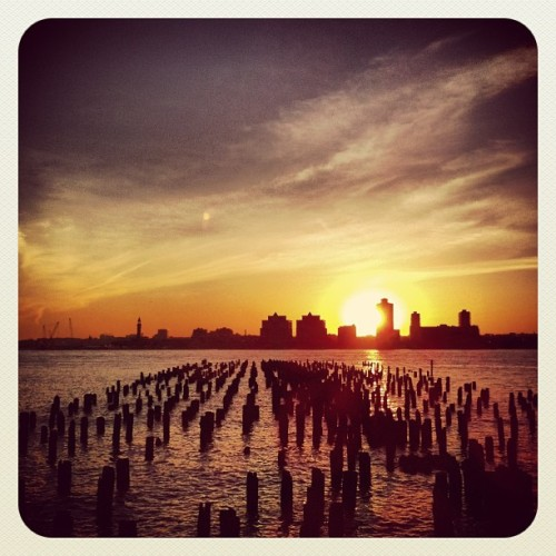 lucevirtuale:  Jersey City from Hudson River