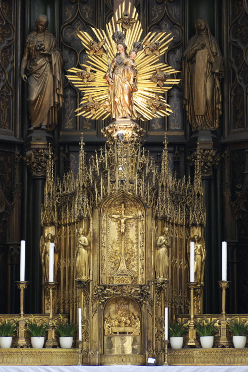The exquisite tabernacle of Maria am Gestade (Saint Mary on the Shore), which features both Gothic and Baroque elements.