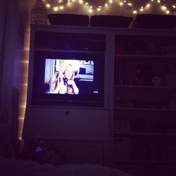 Sex and the City with my girl @mavrangelos #thebestkindofsunday 💜🍸✨
