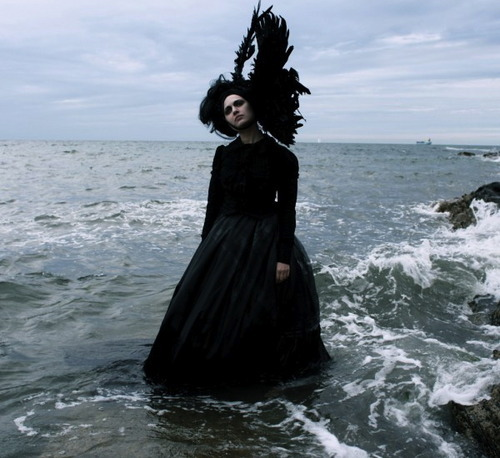 "Grace Darling by Helen Warner. I've been thinking a lot about the sea recently (oh wow, Sabriyah, revolutionary thoughts *sarcasm*) and in particular the movement of the water. You see, I was thinking about ""Movement"" for our next art project as a theme and the movement of water is quite captivating. You'll know if you've seen the water gifs on tumblr, because I can stare at those for hours. But, I'm not really sure how to express this idea that has been induced in my mind - there's inspiration and artists and all these other things I can think of, but I'm just not sure how to put it together."