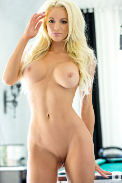 playboycollection:  Nicolette Shea